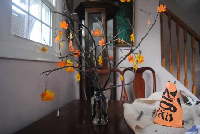 Thanksgiving Teepee & Thankful tree 009